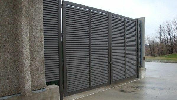 Louvered gates