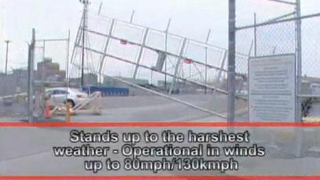 Heavy duty windproof rising fence barrier