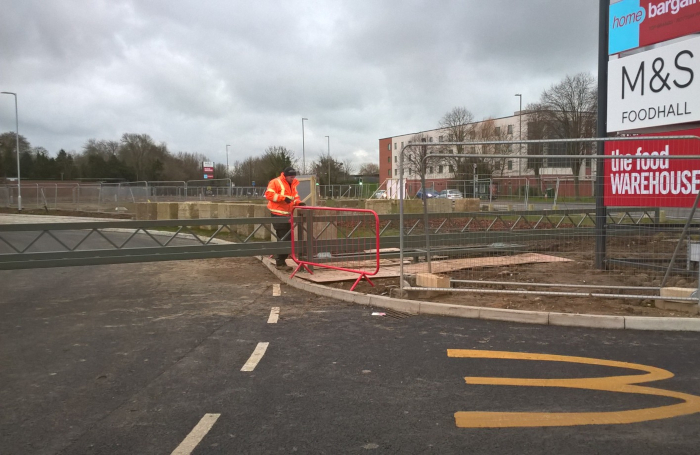 EDS UK automatic sliding barrier across private road