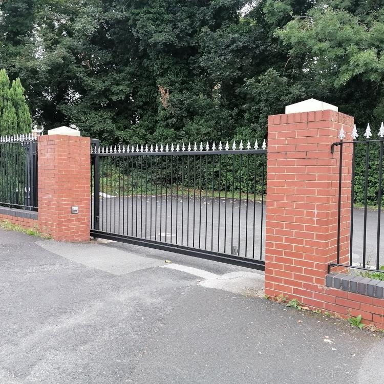 Photo of automatic sliding gate installed at Edgbaston Dental Surgery
