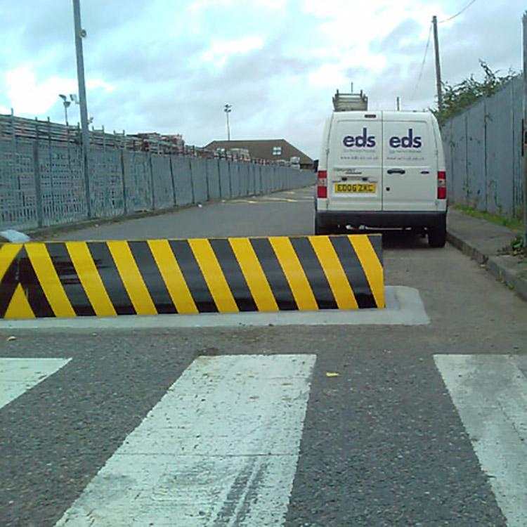 Rising road blocker in front of EDS van