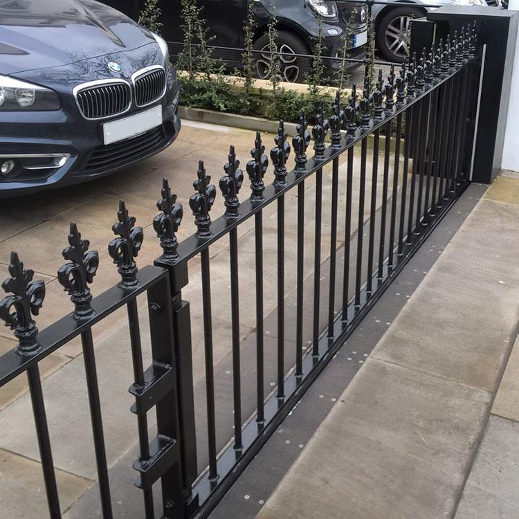 Automatic rising iron gate