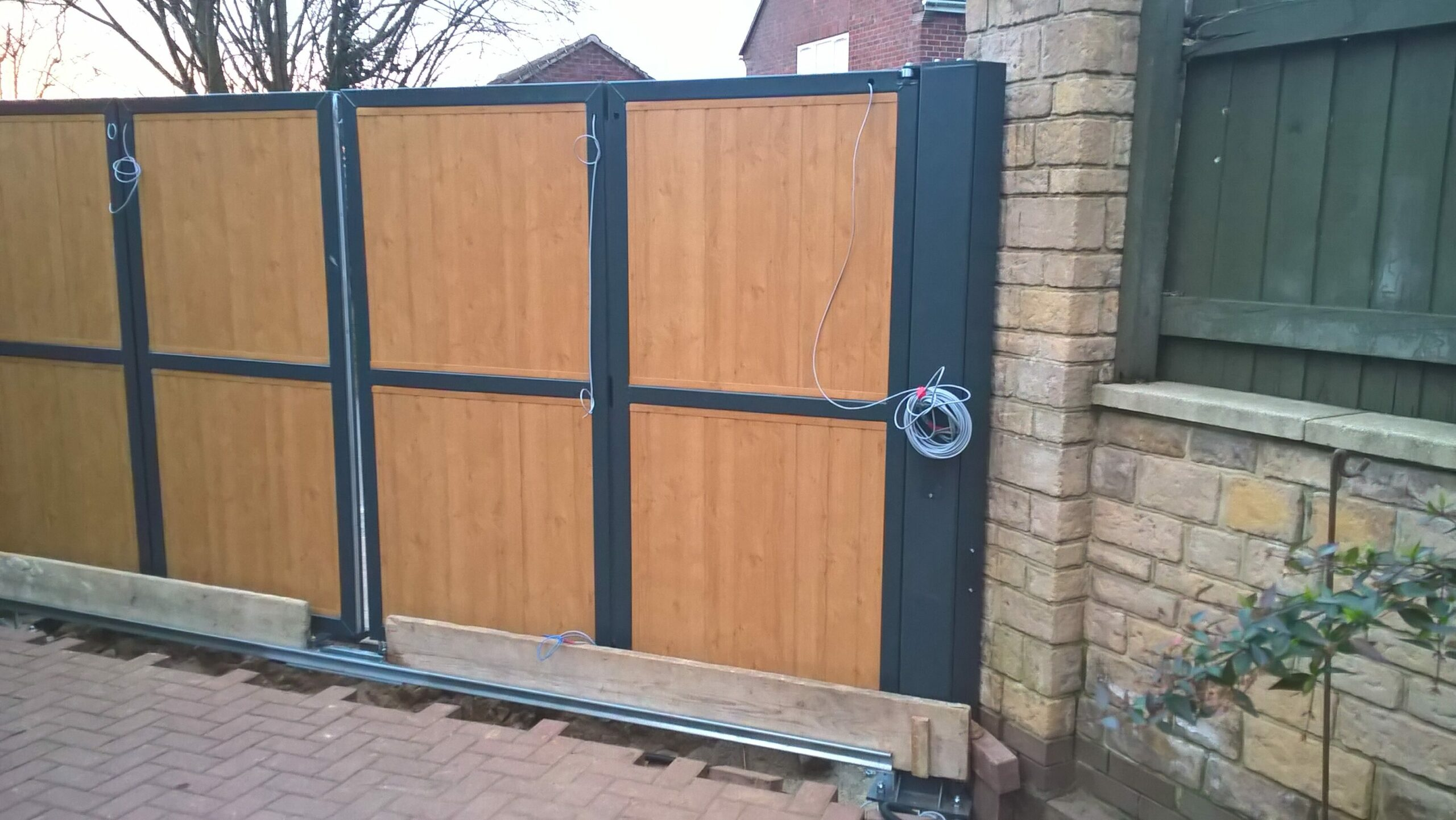Automatic PVC gates