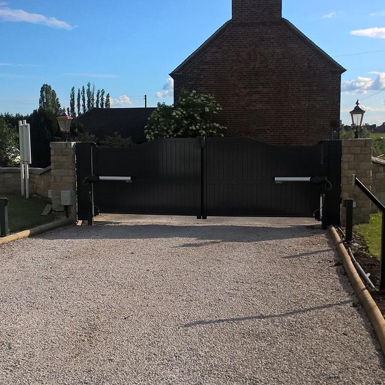 Closed automatic aluminium swinging gates