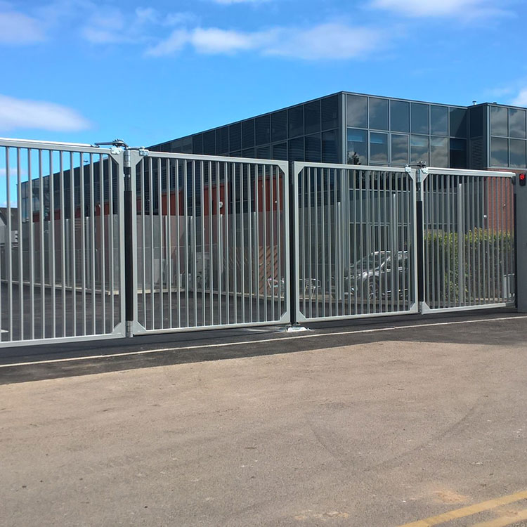 Automatic commercial bifolding gate