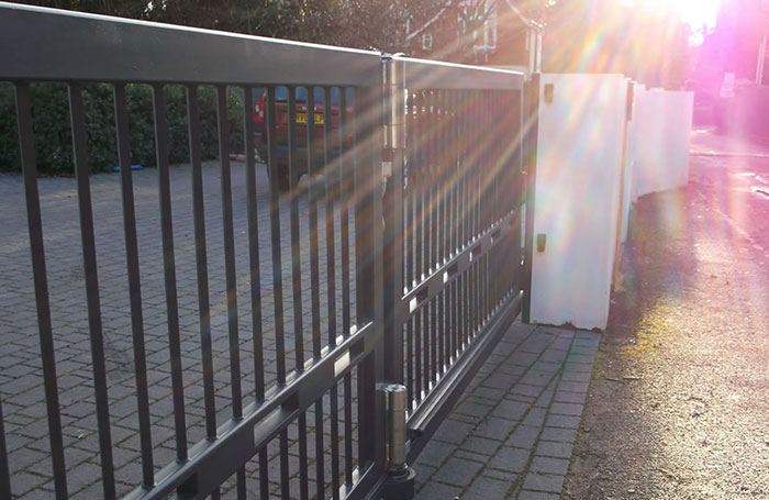 Photo of automatic gate on a residential driveway