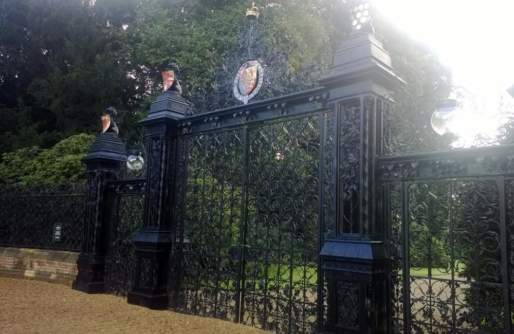 Automatic Decorative Gates & Estate Entrance Gates