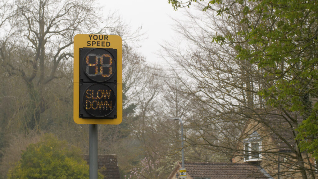 Interactive variable speed limit sign