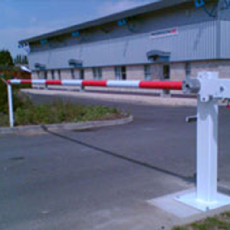 Manual barrier arm controlling access to a VOSA site