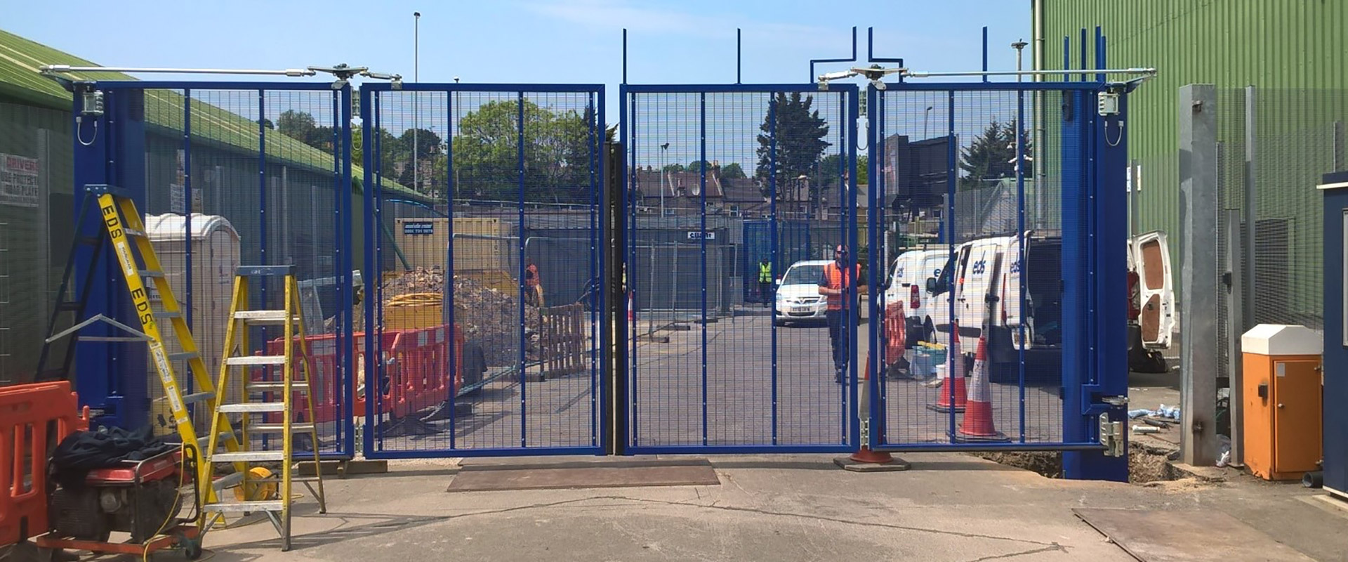 Photo of EDS fitting the inner automated bifolding gate at a secure Metropolitan Police site.