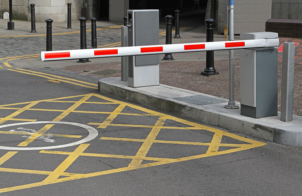 Photo of an automatic barrier at the entrance to a car park