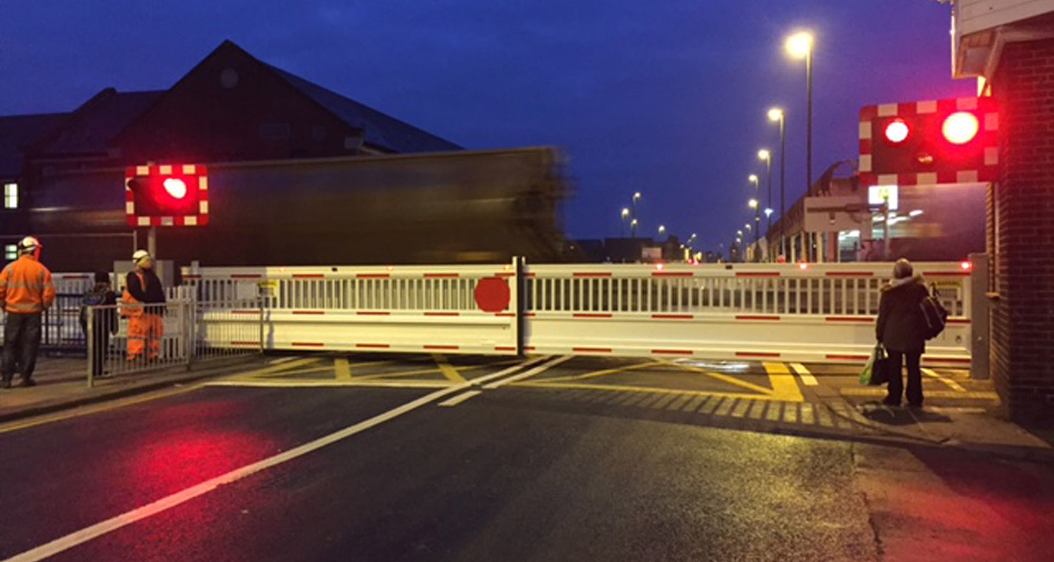 Cantilever Level Crossing